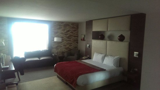 Absolute Hotel: Very comfy room