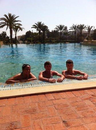 Medina Belisaire & Thalasso: braving the pool