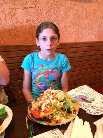 The Hub Baja Grill: Pile of nachos