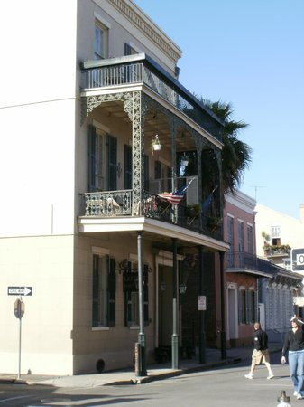 Lafitte Guest House: From Bourbon Street