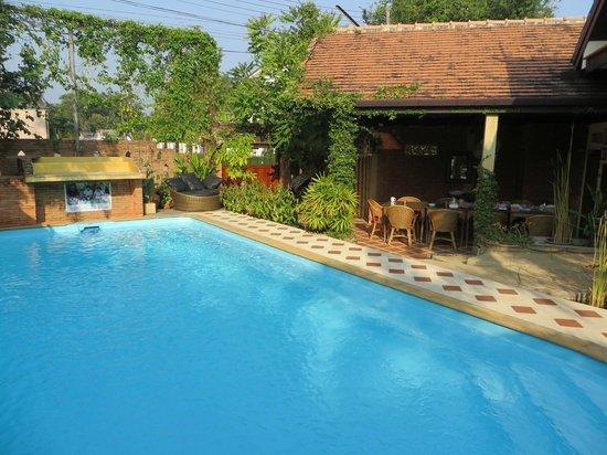 Villa Anneloi: swimming pool