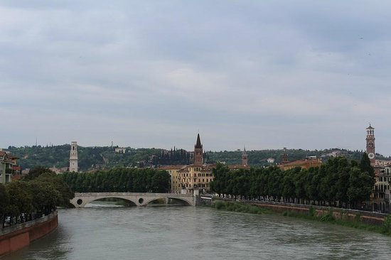 Ponte Pietra: мост Петра