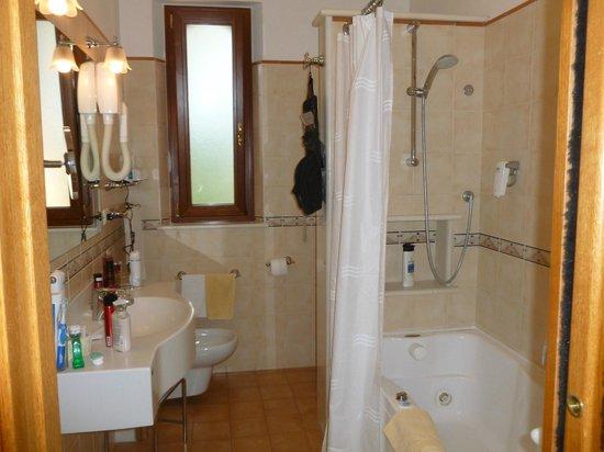 Hotel Villa Schuler: bathroom