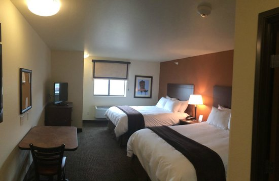 My Place Hotel-Grand Forks, ND: 2Q Room