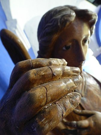 Casa del Moral: Up close and personal with the wooden angels