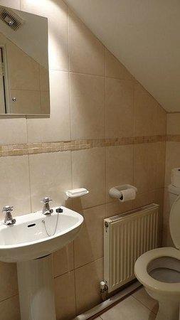 Marguerite House: Bathroom
