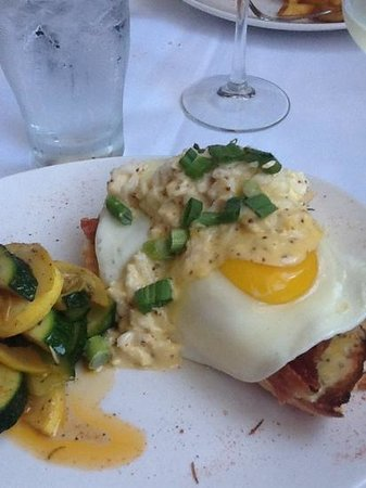 Joe's 2nd Street Bistro : crabmeat, eggs and applewood smoked bacon...delicious!