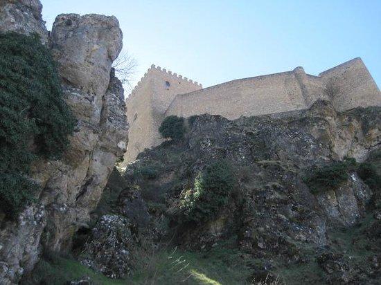 Castillo de Segura de La Sierra: Subiendo al Castillo