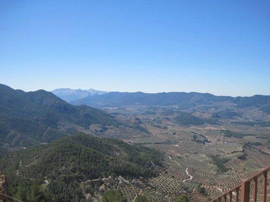 Castillo de Segura de La Sierra: Vistas desde la escalera del Castillo