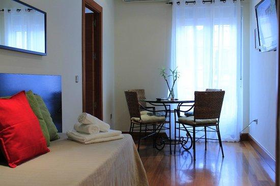 New Point Madrid: Apartamento exterior (4 adultos)