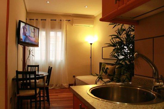 New Point Madrid: Apartamento interior (3 adultos)