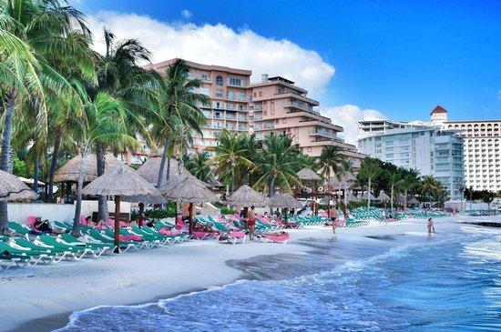 Grand Fiesta Americana Coral Beach Cancun: Praia do hotel