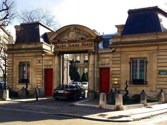 Saint James Paris - Relais et Châteaux: Vue de l'extérieur