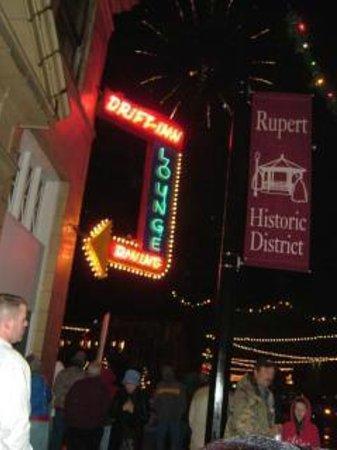 Drift Inn : Vintage sign