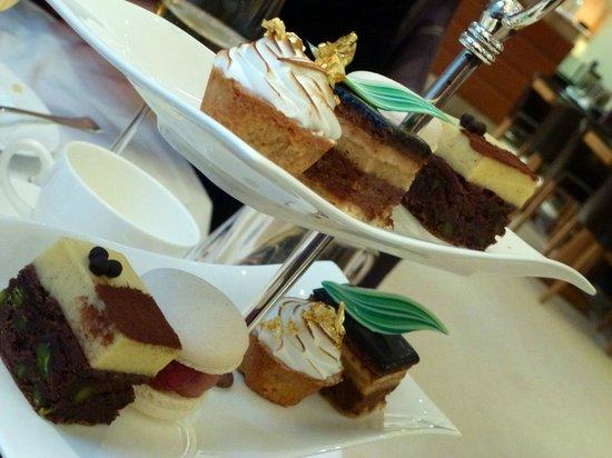 COMO The Halkin : Superb cakes