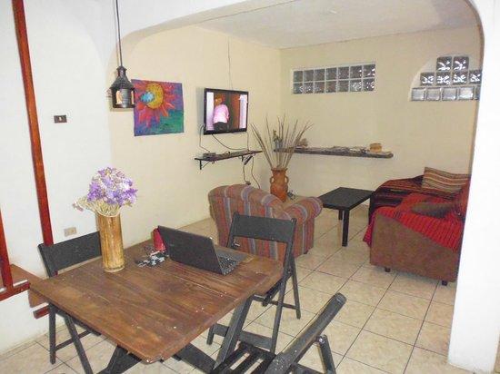 Hostel Capitan Tom : Living room