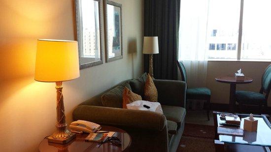 Pearl City Suites: Salon