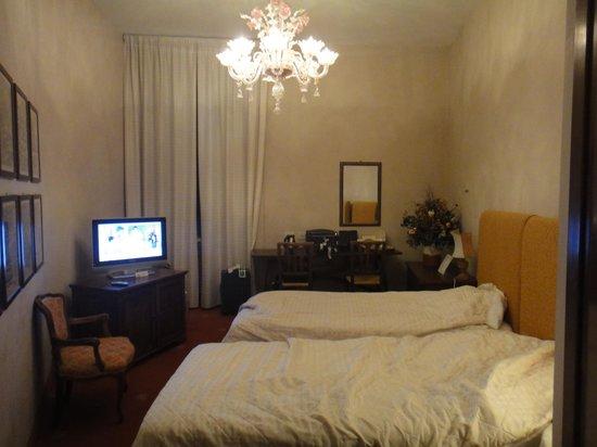 Hotel Columbia: ホテル