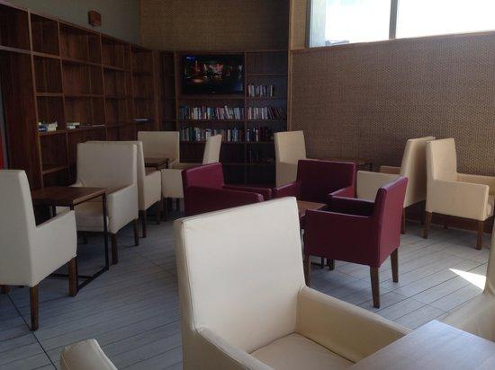 db Seabank Resort + Spa: Little reading area