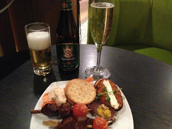 Hilton Stockholm Slussen: Sampling of Executive Lounge evening snacks