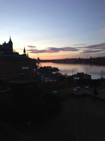 Hilton Stockholm Slussen: Sunset from Hilton