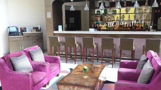 Traders Hotel, Qaryat Al Beri, Abu Dhabi: bar