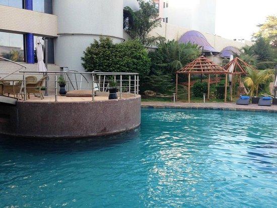 Radisson Blu Hotel, Bamako: Piscine