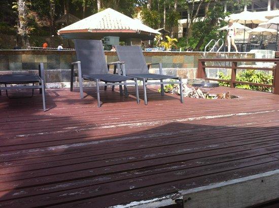 Century Langkawi Beach Resort: poolområde