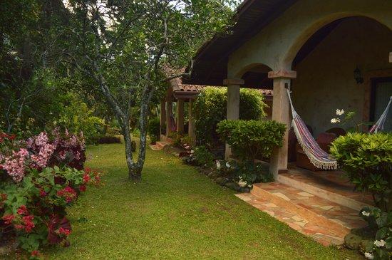 Valle Escondido Resort Golf & Spa: Exterior RiverSide Bungalous