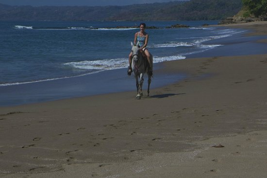 Tango Mar Beachfront Boutique Hotel & Villas: On Tango Mar beach