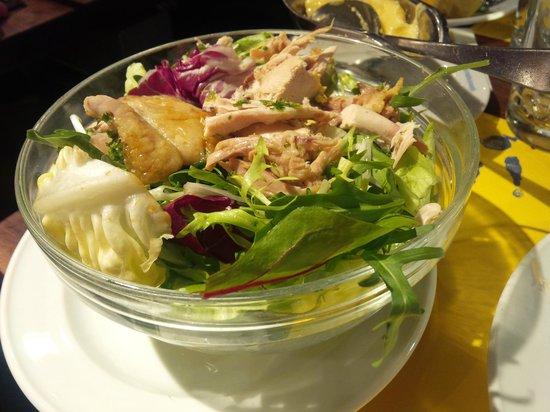 Le Canterbury : Salade de poulet (23,50€)