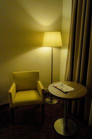 Gromada Hotel: A reading corner.