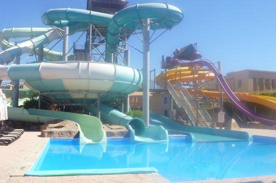 Coral Sea Aqua Club Resort: slides