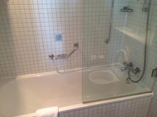 Radisson Blu Hotel, Birmingham: Bathroom