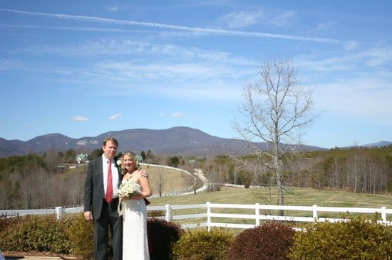 The Red Horse Inn: The ceremony site