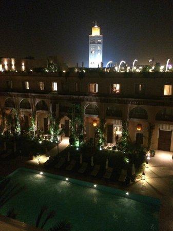 Les Jardins de La Koutoubia : utsikt pool och minaret