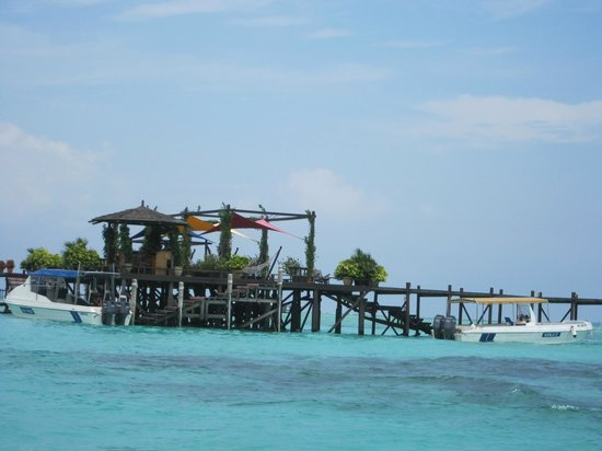 Water bungalow picture of sipadan kapalai dive resort - Kapalai dive resort price ...