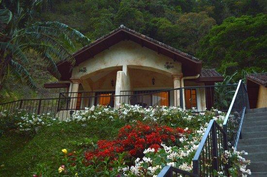 Valle Escondido Resort Golf & Spa: Fairway Bungalow