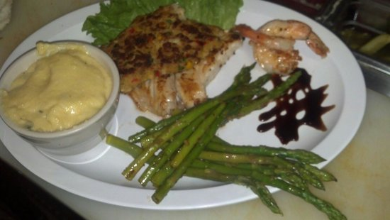Hungry Tarpon: Grouer stuffing crab cake with key lime butter sauce yummy