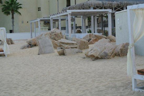 Sandos Finisterra Los Cabos: Tortuga Beach eatery and cabanas