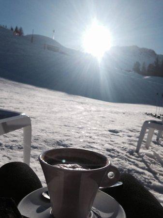 La Casa de l'Ours: Hot chocolate in the sun