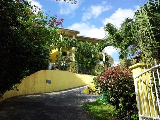 Entrance to Hibiscus Heights