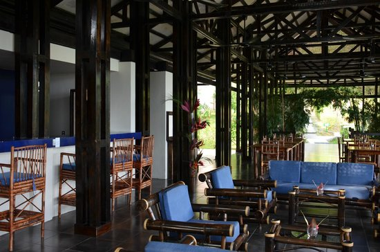 Jungle Blue Restaurant: View of the Dining Area