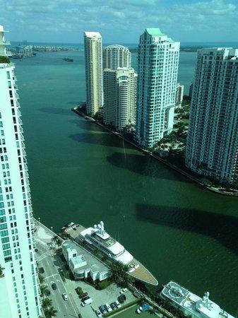 JW Marriott Marquis Miami : vista de la habitacion