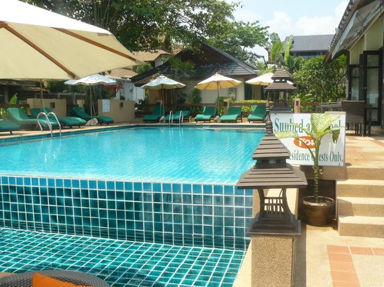 Samui Jasmine Resort : looking back at the resort (small 35 rooms only)