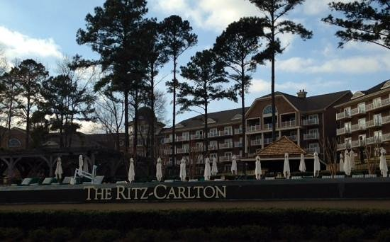 The Ritz-Carlton Reynolds, Lake Oconee: Taken from the lake side looking up at the beautiful infinity pool.