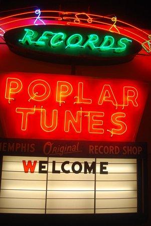 Memphis Rock 'n' Soul Museum : insegna luminosa