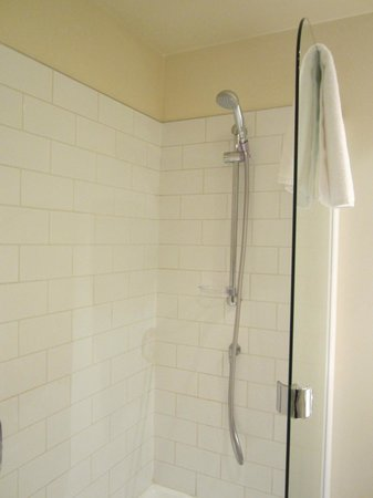 Heritage Christchurch : Shower