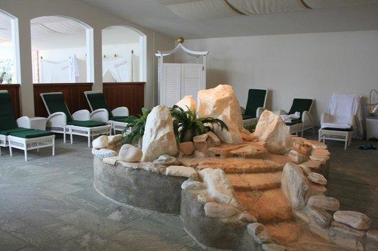 Hotel Ronacher: cascatelle interno e sullo sfondo sala del silenzio