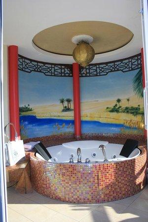 Das Ronacher - Therme & Spa Resort: bagno suite imperiale